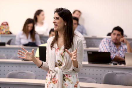 Miriam Martinez, Ph.D. en Ciencias Económicas y Empresariales, Universidad de Granada, España