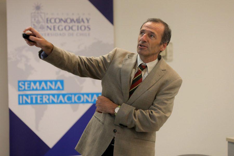 Félix J. López Iturriaga, Ph.D. en Ciencias Económicas y Empresariales, Universidad de Valladolid, España.