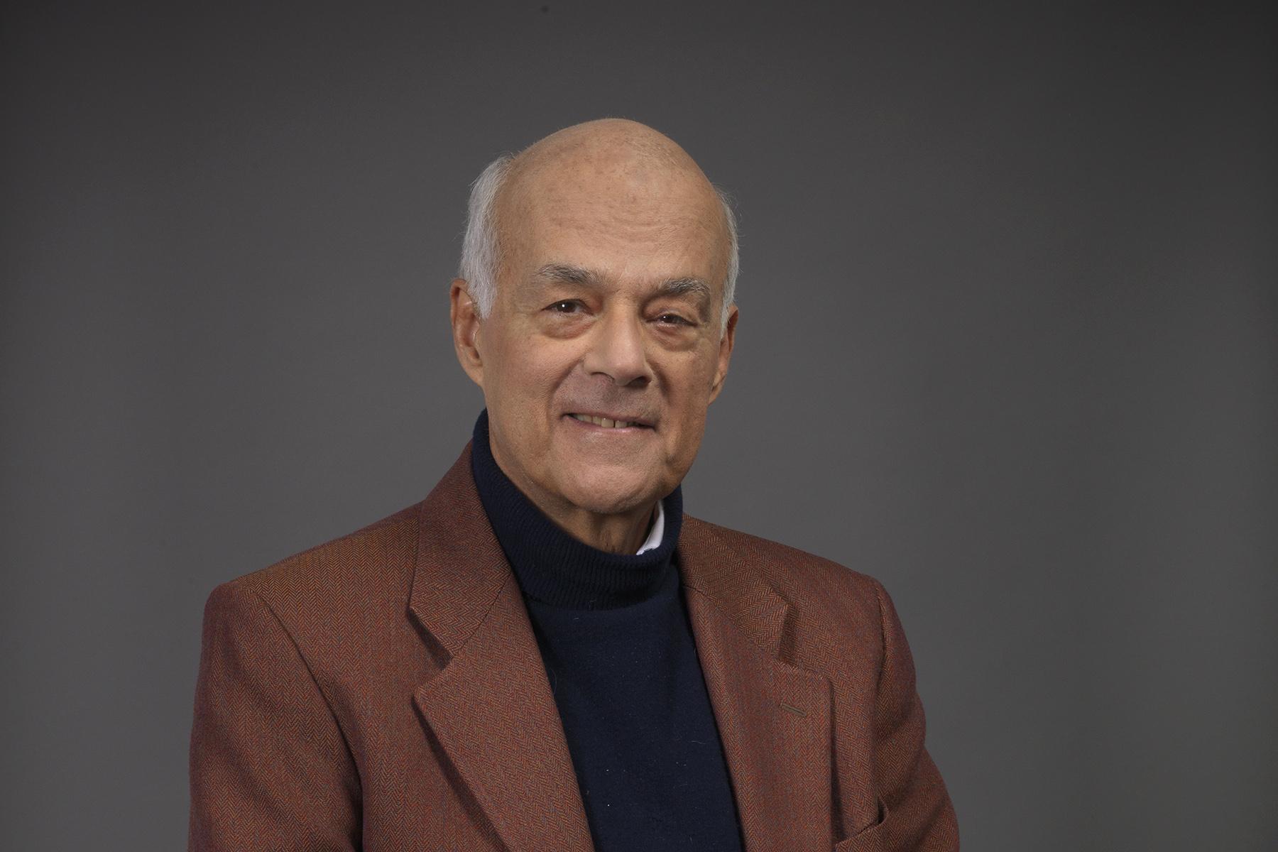 Profesor Joeph Ramos FEN UCHILE Postgrado
